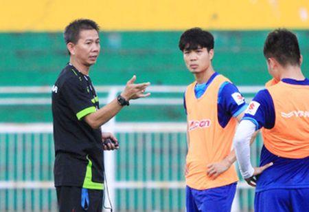 HLV Hoang Anh Tuan bat ngo 'benh' Cong Phuong - Anh 2