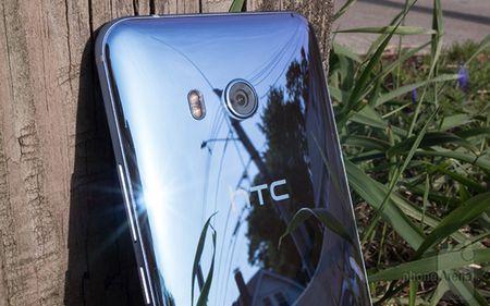 HTC dam phan lan cuoi de quyet dinh xem co ban minh cho Google hay khong - Anh 1