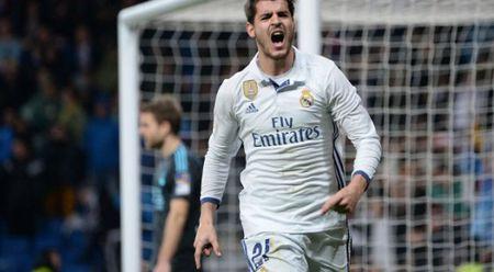 HLV Zidane bat chu tich Real ve khoan mua ban cau thu - Anh 1