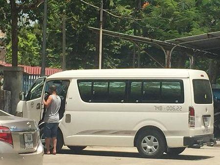 Hue: Xe du ben coc hoat dong nao loan tren duong pho, benh vien - Anh 6