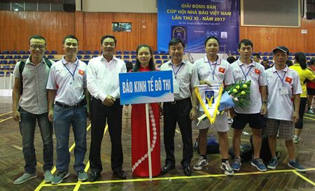 Tung bung khai mac Giai Bong ban Cup Hoi Nha bao Viet Nam lan thu XI - Anh 2