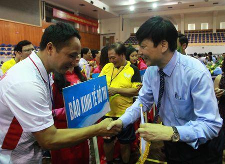Tung bung khai mac Giai Bong ban Cup Hoi Nha bao Viet Nam lan thu XI - Anh 3