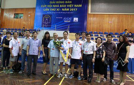 Tung bung khai mac Giai Bong ban Cup Hoi Nha bao Viet Nam lan thu XI - Anh 4