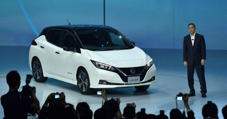 Nissan ra mat Leaf 2018: O to dien co gia chi 680 trieu dong - Anh 1
