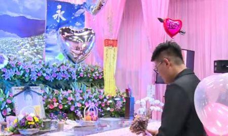 Nguoi dan ong Dai Loan bien dam tang cua ban gai thanh le dinh hon - Anh 1