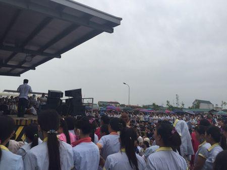 Thanh Hoa: 6.000 cong nhan dinh cong, chinh quyen to chuc doi thoai - Anh 3