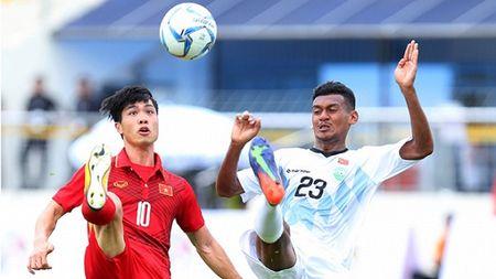 SOC: Tran dau cua U22 Viet Nam tai SEA Games 29 bi nghi ban do - Anh 1