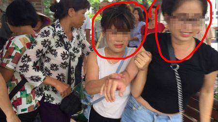 'Soai ca' tom gon 2 'hot girl' ban tam tu thien gia 500 nghin dong o Ho Guom - Anh 2