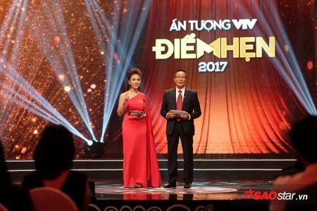 VTV Awards 2017: Vu Cat Tuong bat ngo danh bai Son Tung M-TP - Anh 1