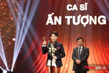 VTV Awards 2017: Vu Cat Tuong bat ngo danh bai Son Tung M-TP - Anh 3