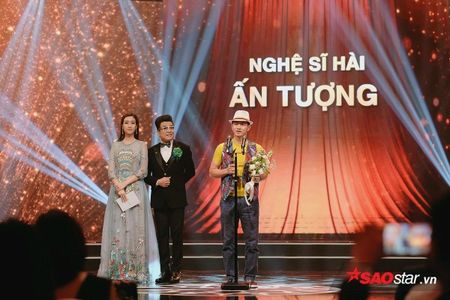 VTV Awards 2017: Vu Cat Tuong bat ngo danh bai Son Tung M-TP - Anh 5