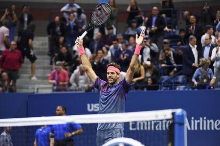 """Tau toc hanh"" Federer dung buoc tai tu ket My mo rong - Anh 1"