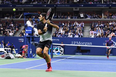 """Tau toc hanh"" Federer dung buoc tai tu ket My mo rong - Anh 2"