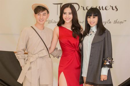 """Nam Em tro thanh nguoi mau vedette trong show dien """"The Dreamers"""" - Anh 3"""