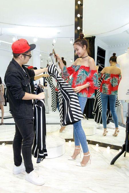 Khoe vong 3 'nay no', Angela Phuong Trinh bac bo nghi van bom sua - Anh 4