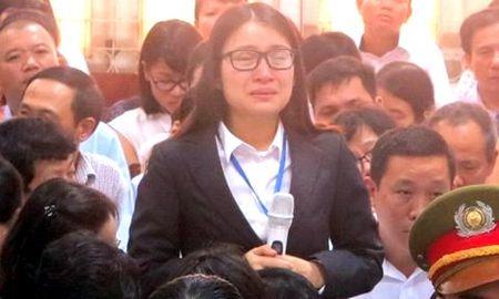Dai an Oceanbank: Hong Tu bat ngo 'phan phao' luat su ngay tai toa - Anh 2