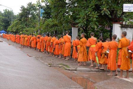 Hanh trinh Luang Prabang: Co do ngu trong may - Anh 10