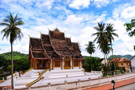 Hanh trinh Luang Prabang: Co do ngu trong may - Anh 4