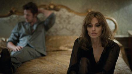 Angelina Jolie da vuot qua nguy co bi ung thu vu nhu the nao? - Anh 8