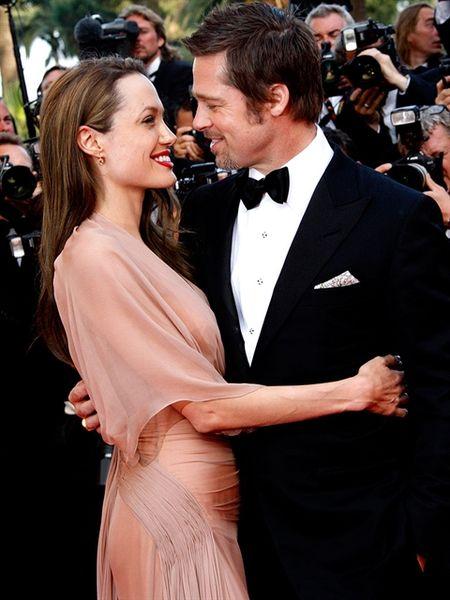 Angelina Jolie da vuot qua nguy co bi ung thu vu nhu the nao? - Anh 9