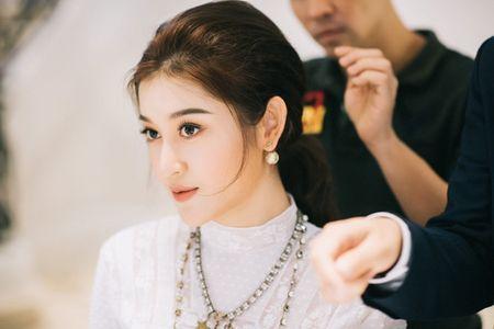Huyen My chon loat hang hieu chuan bi cho Miss Grand International 2017 - Anh 1