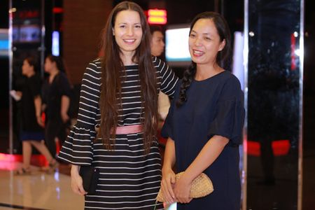 Dao dien Anne Zohra Berrached mang bo phim gay tranh cai tai Duc toi Viet Nam - Anh 2
