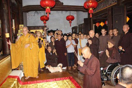 Thien su Thich Nhat Hanh roi Da Nang, tro lai Thai Lan - Anh 3
