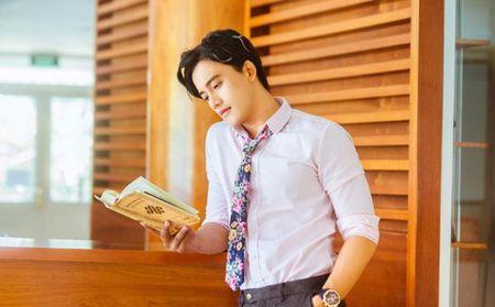 Thay giao dien trai trong MV 'Em gai mua' cua Huong Tram la ai? - Anh 3