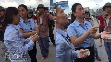 Dieu tra doi tuong kich dong tai xe tra tien le o tram thu phi QL5 - Anh 2