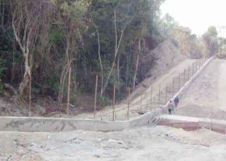 Myanmar gai dat min gan bien gioi voi Bangladesh - Anh 1