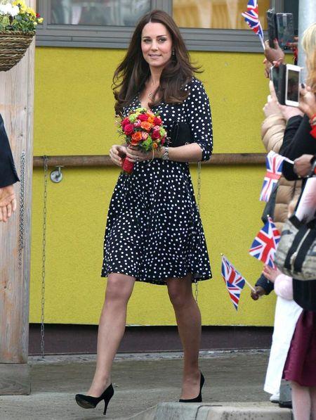 Me man thoi trang ba bau cua Cong nuong Kate Middleton - Anh 1