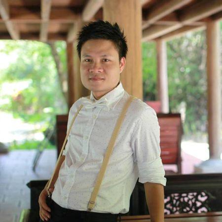 Ca si Hoang Tung nhan giai thuong 'Tieng noi Viet Nam' lan thu nhat - Anh 10
