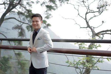 Ca si Hoang Tung nhan giai thuong 'Tieng noi Viet Nam' lan thu nhat - Anh 12