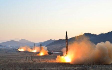 NATO keu goi Trieu Tien tu bo chuong trinh hat nhan va ten lua - Anh 1
