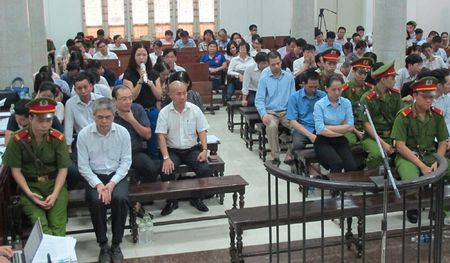 Vu Oceanbank: Ong Ninh Van Quynh khai nhan 20 ty cua Nguyen Xuan Son - Anh 4