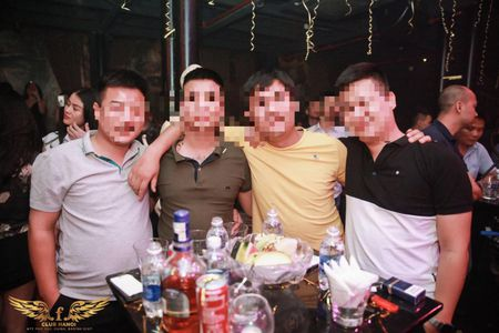 Ky 11: Bar F.Club Ha Noi tiep tuc bi xu phat ve vi pham PCCC - Anh 12