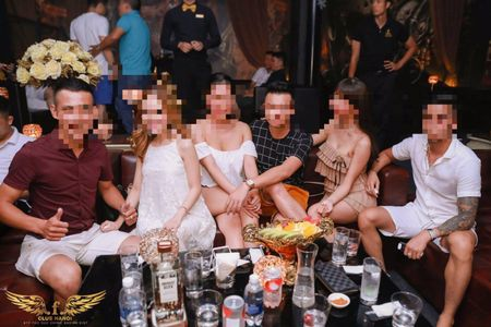 Ky 11: Bar F.Club Ha Noi tiep tuc bi xu phat ve vi pham PCCC - Anh 15