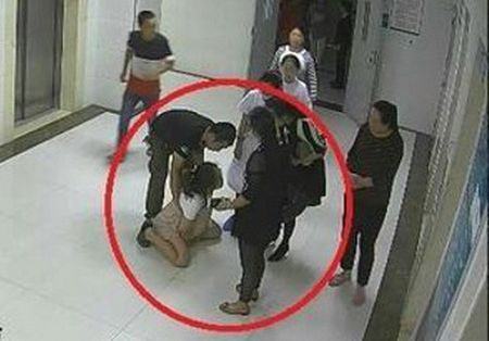 Cau chuyen san phu tu tu: Sinh mo, sinh thuong ai la nguoi quyet dinh? - Anh 1