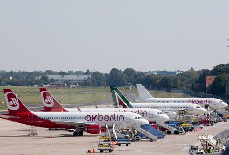 Air Berlin cat bo nhieu tuyen duong bay dai sau khi pha san - Anh 1