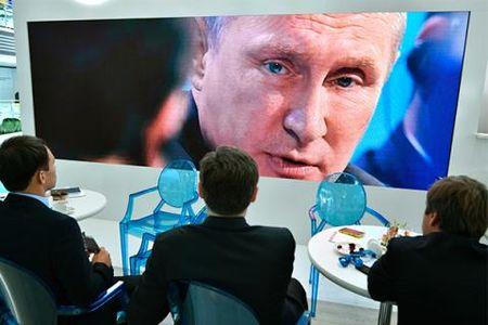 Suc voc ong Putin tu dien dan Kinh te Phuong Dong - Anh 1