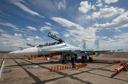11 hinh anh an tuong ve chien dau co Su-30SM moi nhat cua Nga - Anh 1