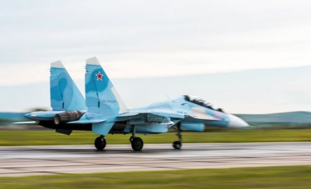 11 hinh anh an tuong ve chien dau co Su-30SM moi nhat cua Nga - Anh 6