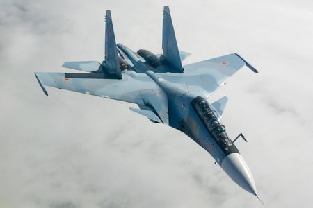 11 hinh anh an tuong ve chien dau co Su-30SM moi nhat cua Nga - Anh 9