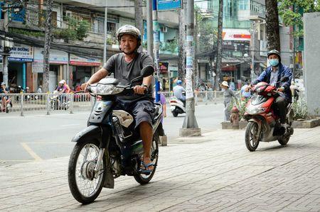 'Thang Co' Dat phuong Nam lam boc vac, lo xe, hot toc de muu sinh - Anh 1