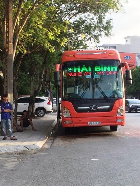 Thanh Hoa: Bat giu xe khach cho 15 banh heroin va 5kg ma tuy da - Anh 1