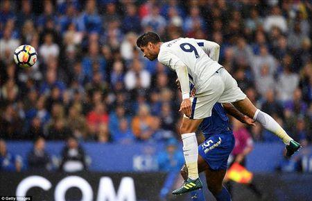 Eden Hazard muon Alvaro Morata dung tot doi chan hon nua - Anh 1