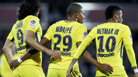 Sau vong 5 Ligue 1: Khong the ngan can N-M-C, Balotelli cat dut mach thang cua Monaco - Anh 2