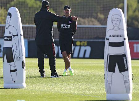 Torres ren the luc de chuan bi 'chien' voi AS Roma - Anh 5
