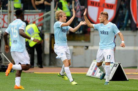 Sau vong 3 Serie A: Milan guc nga; Tam ma hinh thanh - Anh 1