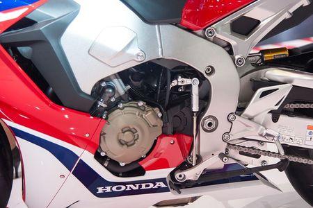 Xe moto Honda CBR1000RR SP2 gia gan 1 ty dong tai VN - Anh 5